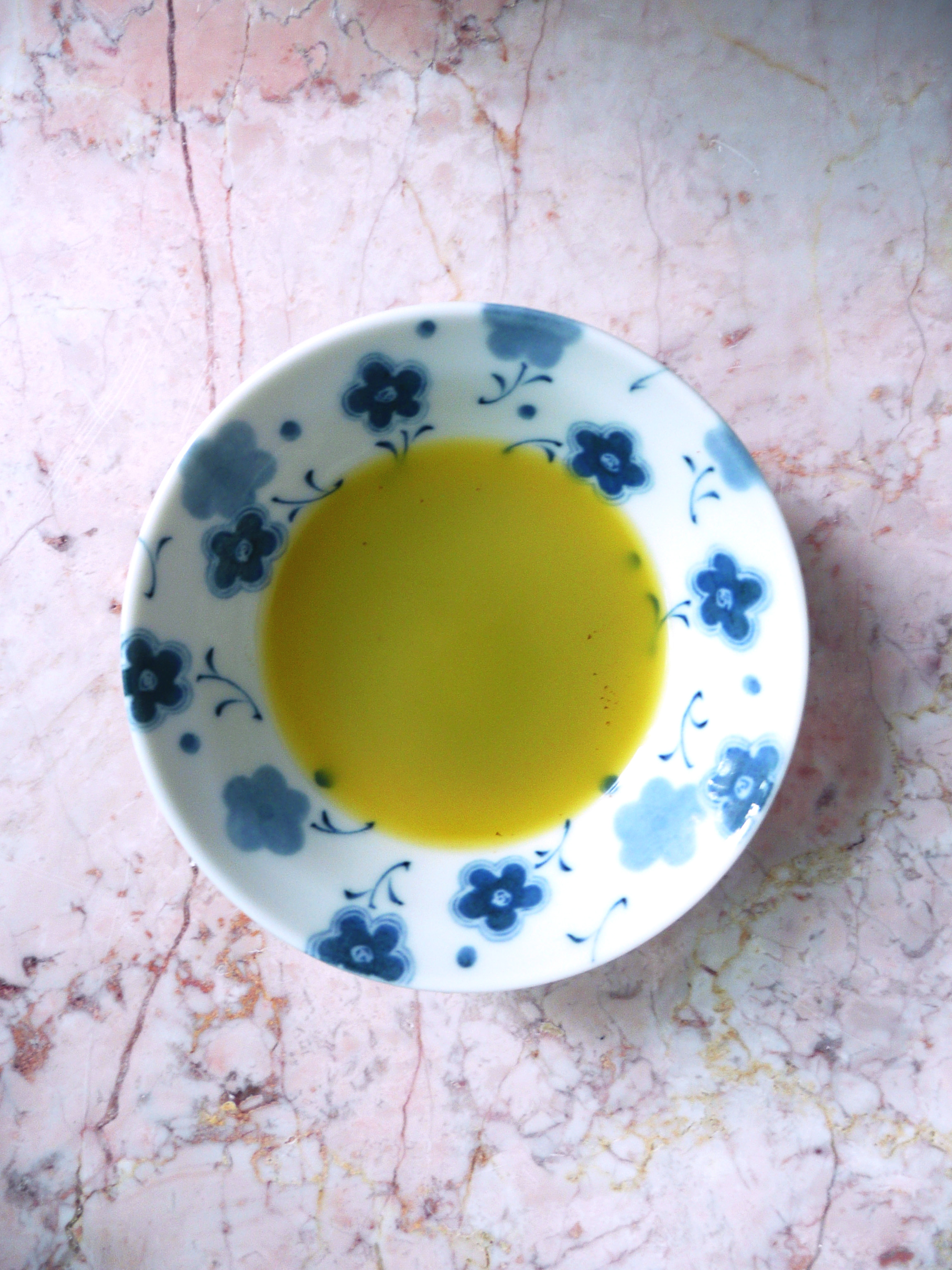 clove oil 2