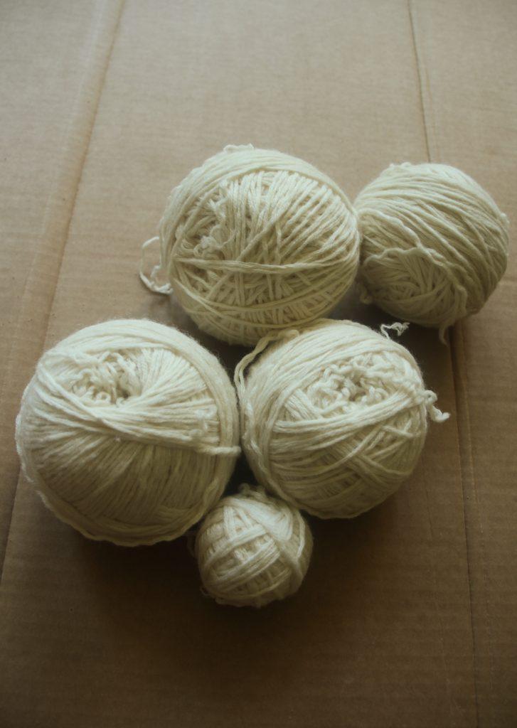 5 balls of yarn